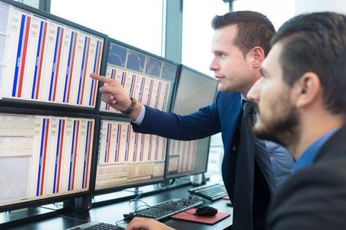 לימודי מסחר במניות בשוק ההון אונליין ופרונטלי